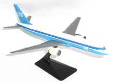 Boeing 757-200 LTS Germany 1990's Snap Fit Collectors Model Scale 1:200 E